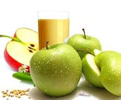Вкусный десерт овсяно яблочный напиток