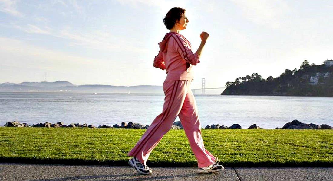 Чередуйте бег с быстрой ходьбой